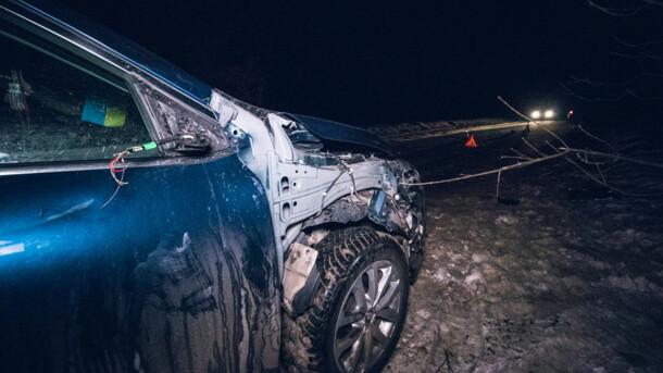 На окраине Киева Renault на полном ходу сбил военного