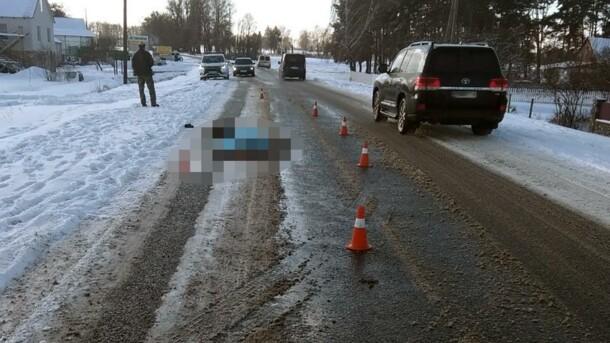 В Житомирской области грузовик насмерть сбил мужчину и скрылся с места ДТП