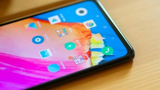 Xiaomi Mi 9 будет самым мощным смартфоном компании