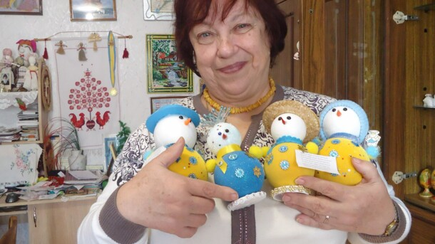 Украинка собрала коллекцию из 700 снеговиков