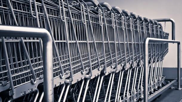 Москвич украл 235 тележек из супермаркета