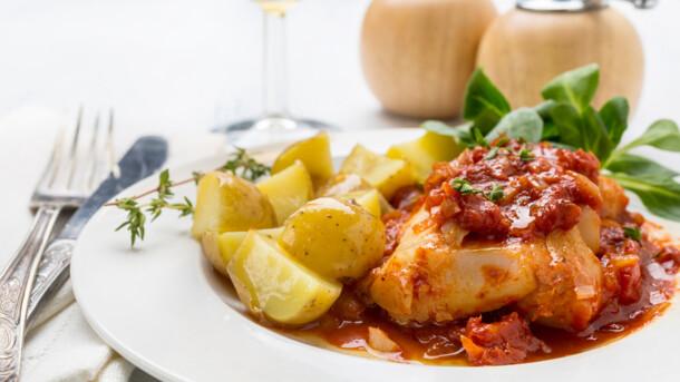Рецепт дня: треска в томатном соусе