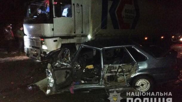 В Запорожской области столкнулись грузовик и легковушка: есть погибший
