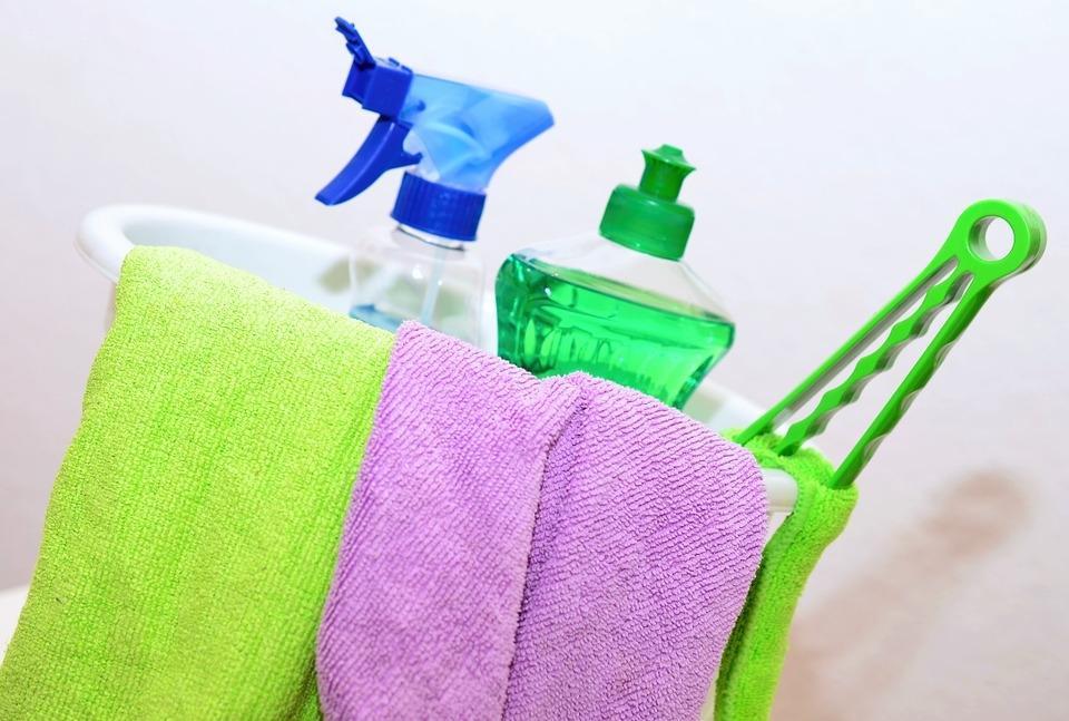Не используйте агрессивные чистящие средства