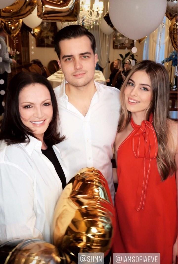 София Ротару с внуком Анатолием и внучкой Софией