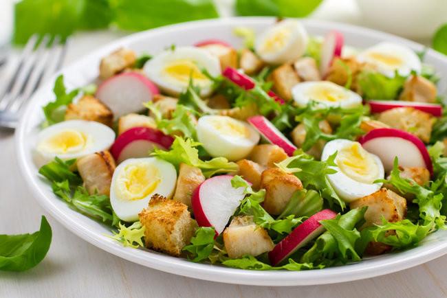 Куриный салат с редисом