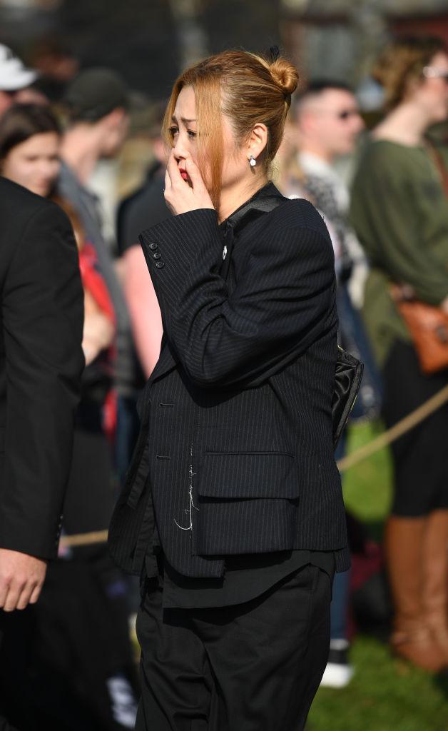Экс-жена Кита Флинта Маюми Кай на похоронах артиста