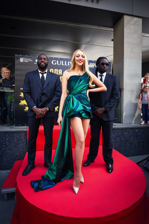 Оля Полякова получила именную звезду Фото: пресс-служба