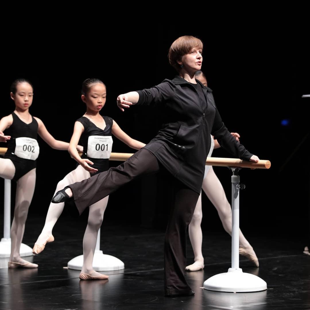 Преподаватель. Сейчас Анна на сцене только ради учеников. Фото: А. Соловьева