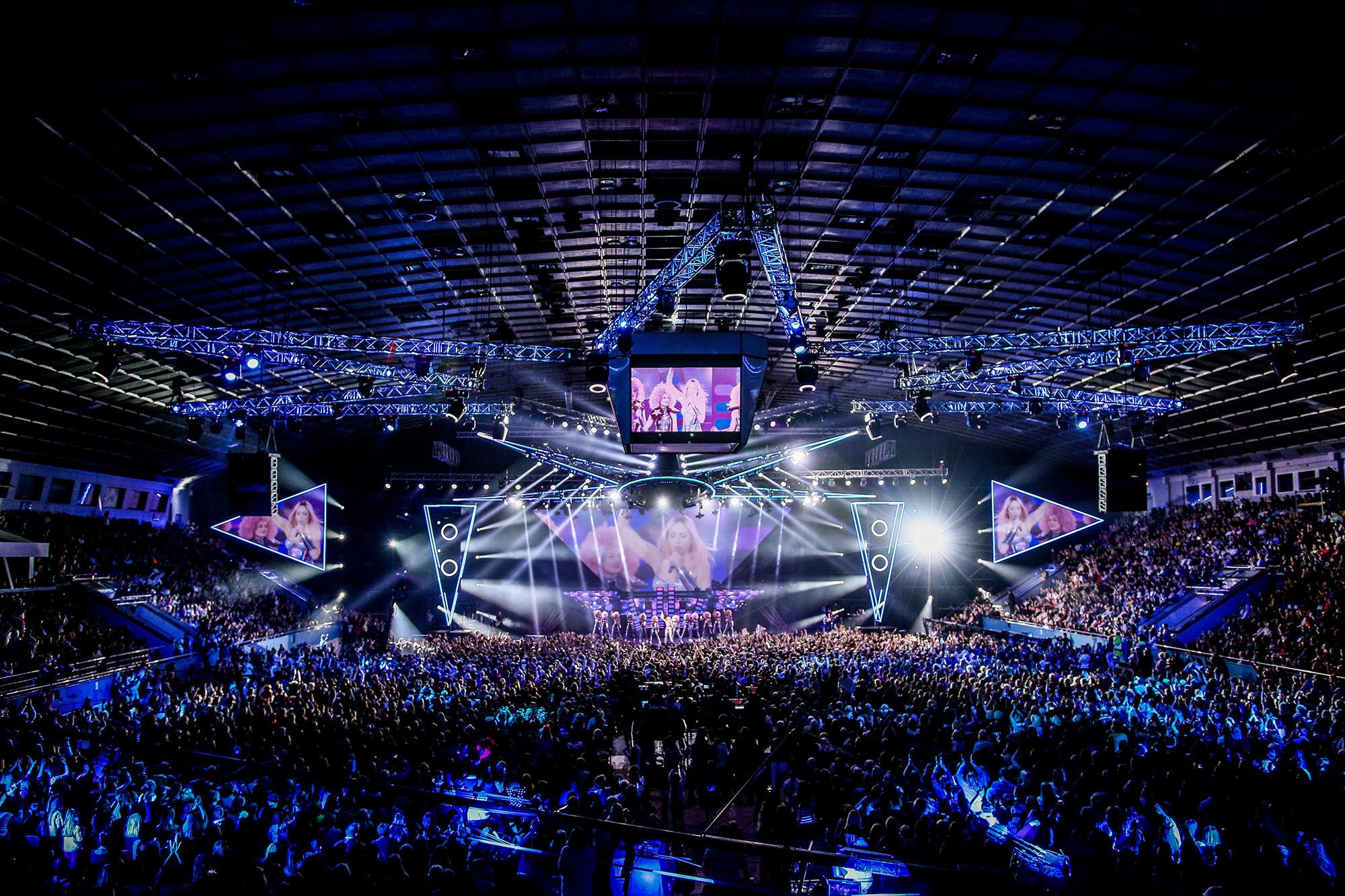 Большой концерт Оли Поляковой во Дворце спорта