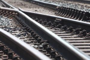 Жуткое самоубийство: мужчина бросился под поезд Одесса-Киев