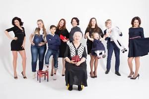 Особенная мода: в Киеве прошел показ с моделями в инвалидных колясках и беременными женщинами