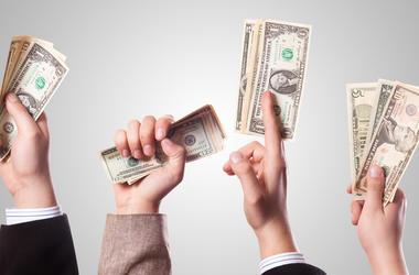 СМИ узнали о худшем сценарии Кабмина с долларом по 32 гривни