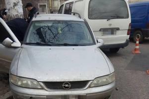 В Одессе грабители помяли несколько машин, скрываясь от копов