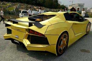 Тайванец сделал копию Lamborghini, чтобы сжечь
