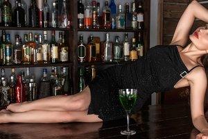 Медики назвали главную опасность коктейля из водки и энергетиков