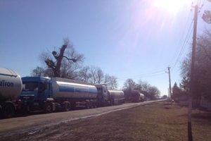 Возмущенные люди блокировали трассу в Полтавской области