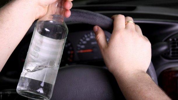 Пьяный водитель устроил гонки. Фото: dpchas.com.ua