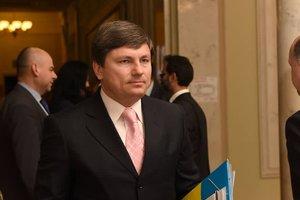 У Порошенко назвали три условия для снятия транспортной блокады Донбасса