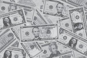 НБУ изменил правила: как теперь провозить валюту через таможню