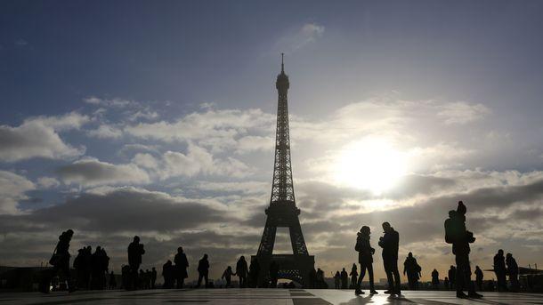 НаЭйфелевой башне погасли огни взнак солидарности сЛондоном