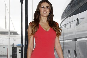 Actress Elizabeth Hurley was embarrassing because underwear