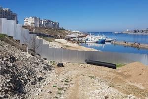 Scandalo in Crimea: il valore della terra è permesso sotto la fogna