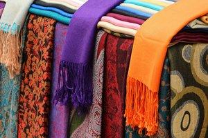 Психология ярких шарфов: то, как вы их завязываете, многое о вас расскажет
