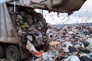 Из Львова начали вывозить мусор на полигоны в области
