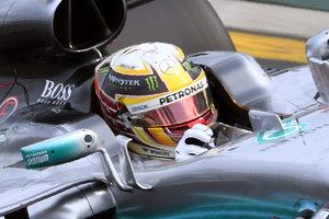 Льюис Хэмилтон - самый быстрый на старте сезона Формулы-1
