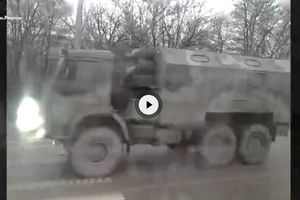 On the streets of Simferopol held a military convoy