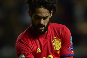 Who scored six goals ISCO real Madrid offers a six-year contract with a salary of 6 million