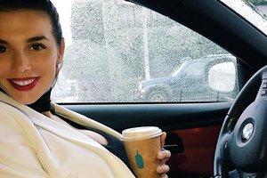 Беременная Анна Седокова держит свой вес под строгим контролем