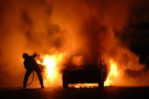 В Харькове во время движения загорелся автомобиль