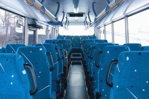 En Ukraine, ont apporté un grand parti étrangers bus