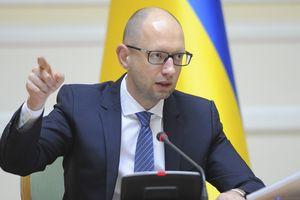 Яценюк заявил, что его заочный арест в РФ – прямое указание Путина