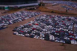 Видеошок: Tausende von verlassenen Diesel