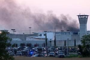 Тюремный бунт в Мексике: заключенные жгут матрасы