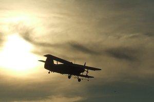 Возле украинской границы нашли брошенный самолет Ан-2