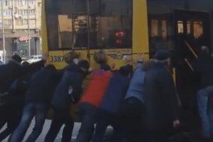 Киевляне создали пародию на хвалебный ролик о столице к Евровидению