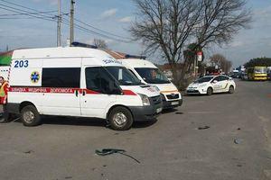 I Kiev på Brovarsky Avenue hårt krockade med två bilar