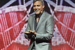Джордж Клуни намерен свести Брэда Питта и Сандру Баллок - СМИ