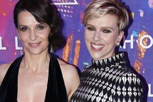 53 ans, Juliette Binoche nue éclipsé Scarlett Johansson lors de la première