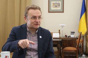 Мэр Львова объяснил, почему вывозит мусор на Донбасс