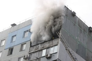 В Запорожье пылал девятиэтажный дом