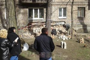 В Запорожье частично обвалилась стена многоэтажки
