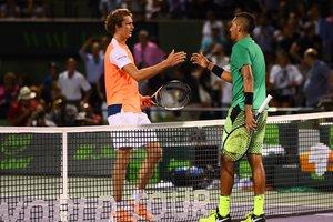 Теннисист взял видеоповтор, чтобы исправить ошибку в свою пользу