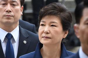 Бывшего президента Южной Кореи посадили в одиночную камеру
