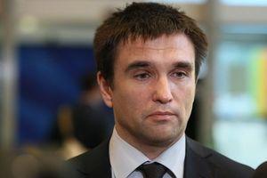 Климкин и Ващиковский обсудили ситуацию вокруг генконсульства Польши в Луцке