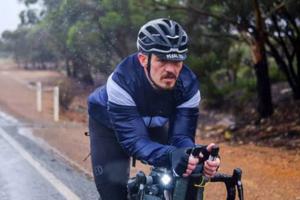В Австралии во время гонки погиб известный велогонщик
